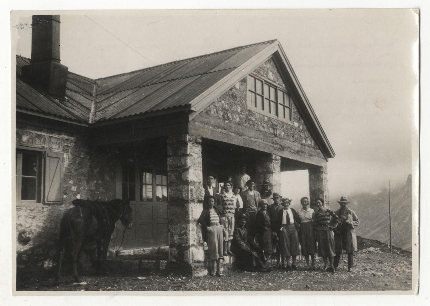Foto presentada en internet como de la inauguración del Refugio. Pulse para verlo más grande