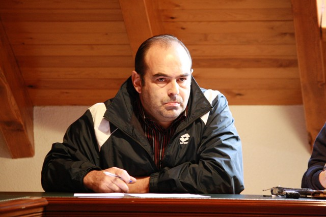 Óscar Casares, en uno de los plenos del Ayuntamiento. Pulse para verlo más grande