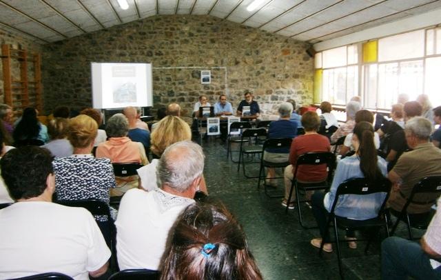 Foto de la presentación en Espinama. Pulse para verlo más grande